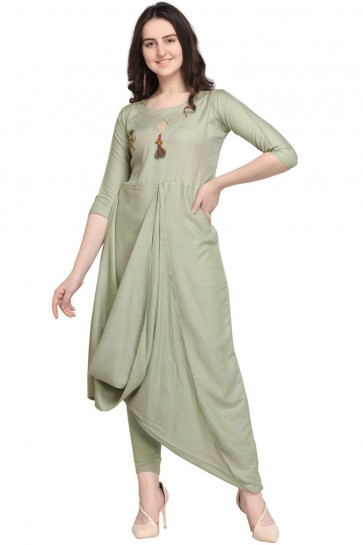 Pretty Green Rayon Plain Kurti