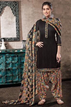 Appealing Black Digital Print Cotton Salwar Suit With Chiffon Dupatta