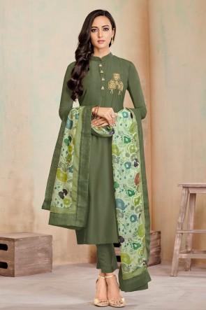 Delightful Mehendi Green Digital Print Cotton Casual Salwar Suit With Maslin Dupatta